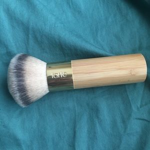 Tarte airbrush finish bamboo kabuki brush